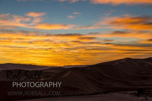 Sunrise above Deadvlei
